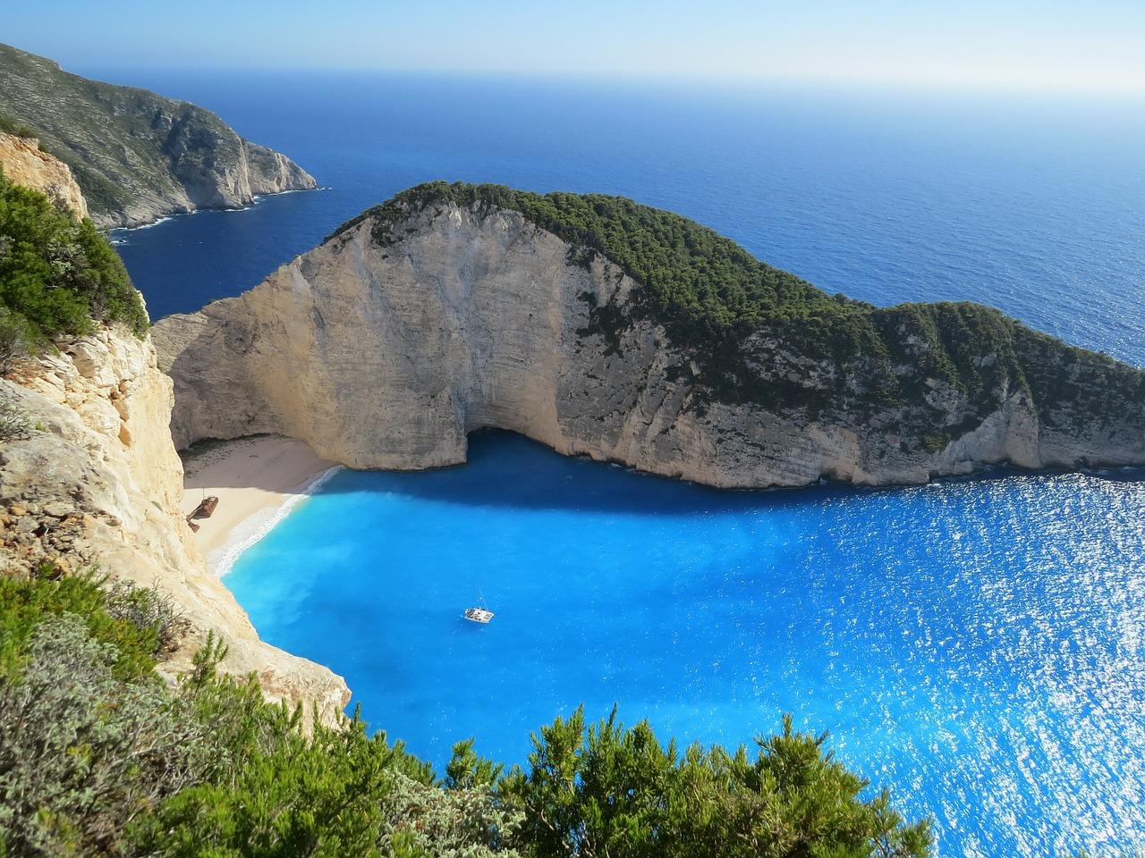 Podróż poślubna Grecja. Zalety podróży w słonecznej Grecji