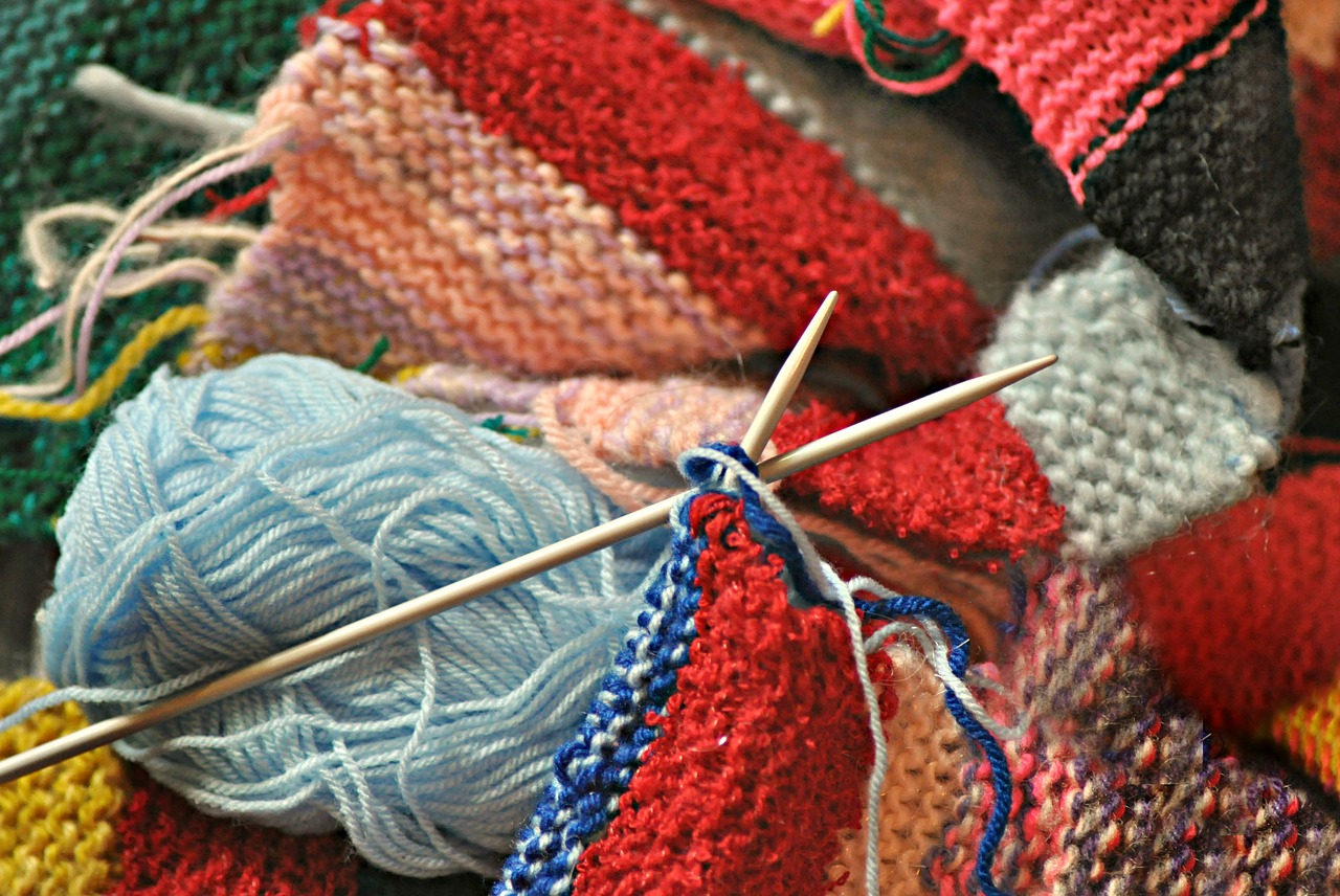 Ubranka dla niemowląt na drutach wzory. Najmodniejsze ubrania dla dzieci wykonane na drutach. Ubranka dla dzieci na drutach wzory